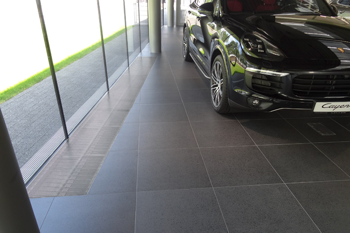 Salon Porsche Centrum we Wrocławiu